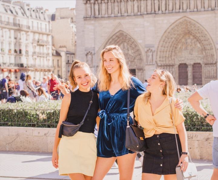 Girls in front on Notre Dame