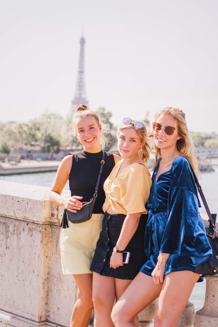 Girls in front of the Eiffel Tower